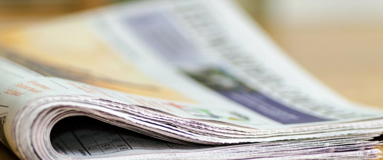 Riusare vecchi giornali è un'ottima idea (ecologica ed economica) per evitare imballaggi in plastica e pluriball