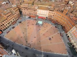 Siena, vista aerea di Piazza del Campo