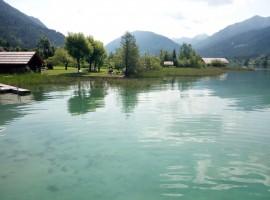 Le tante sfumature di azzurro del lago di Weissensee