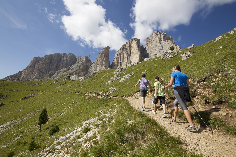 Moena, percorso a piedi con vista mozzafiato sulle Dolomiti