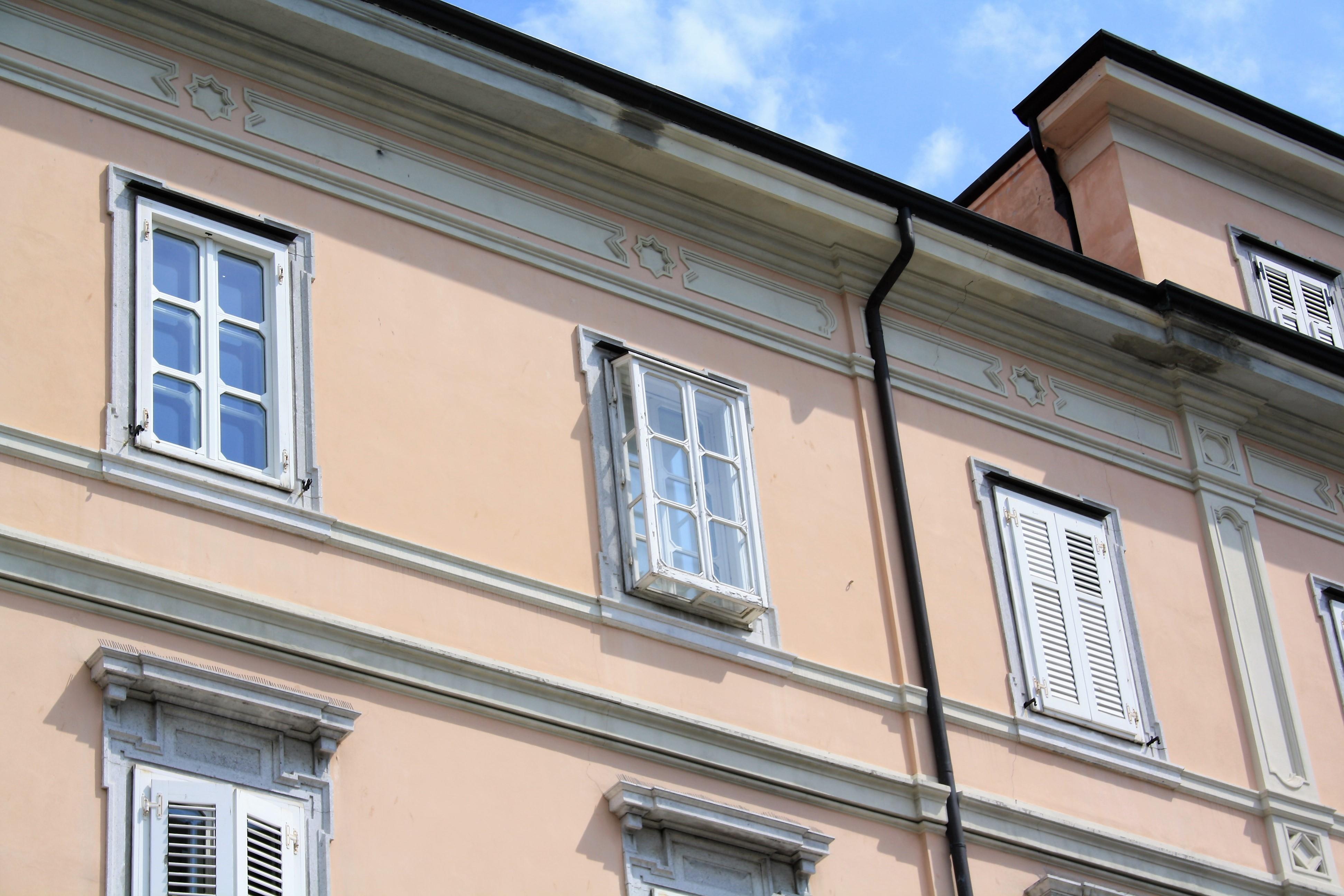 Una finestra anti-bora a Trieste