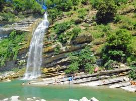 Santerno, piscina naturale con cascata in Alto Mugello