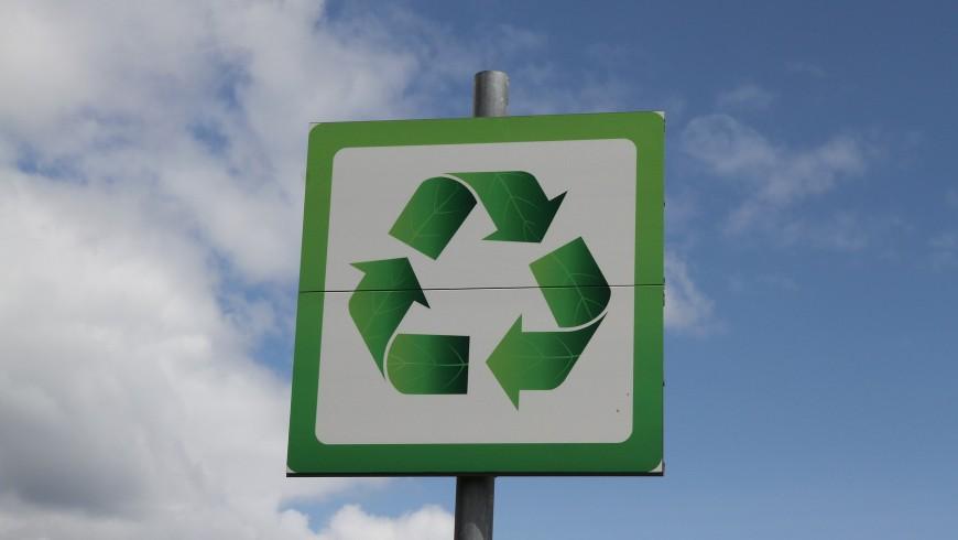 Riciclare per sostenere l'economia circolare e salvare il mondo dai rifiuti.