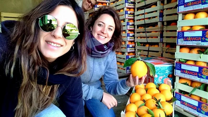 Nadia, Ilenia e le loro arance biologiche