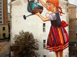 """La street art che migliora le nostre città: """"Là dove c'era un fiore..."""" di Natalia Rak. Foto via Focus"""