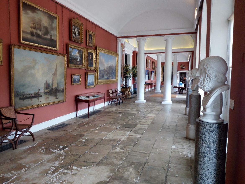 Le stanze della casa di Bowood, arredate da Robert Adam