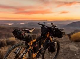 Bici- Patrick Hendry via Unsplash