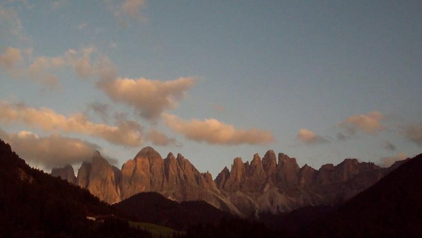 Odle al tramonto da Malga Zannes, in Val di Funes