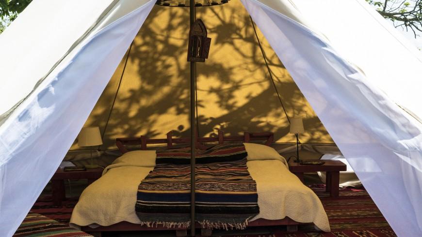 Interno della tenda del Podere di Maggio