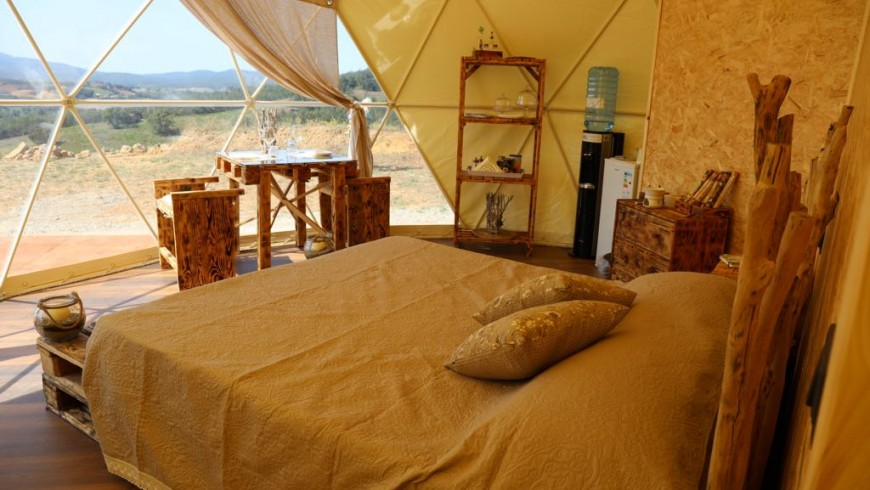 Glamping nella cupola geodetica