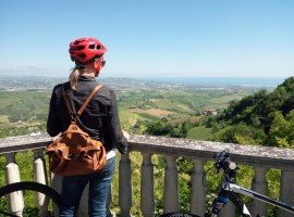 In e-bike trai Calanchi di Atri