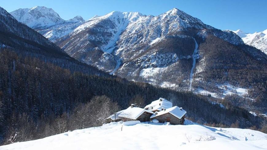 Inverno a Borgata Sagna Rotonda, struttura eco-sostenibile in Piemonte