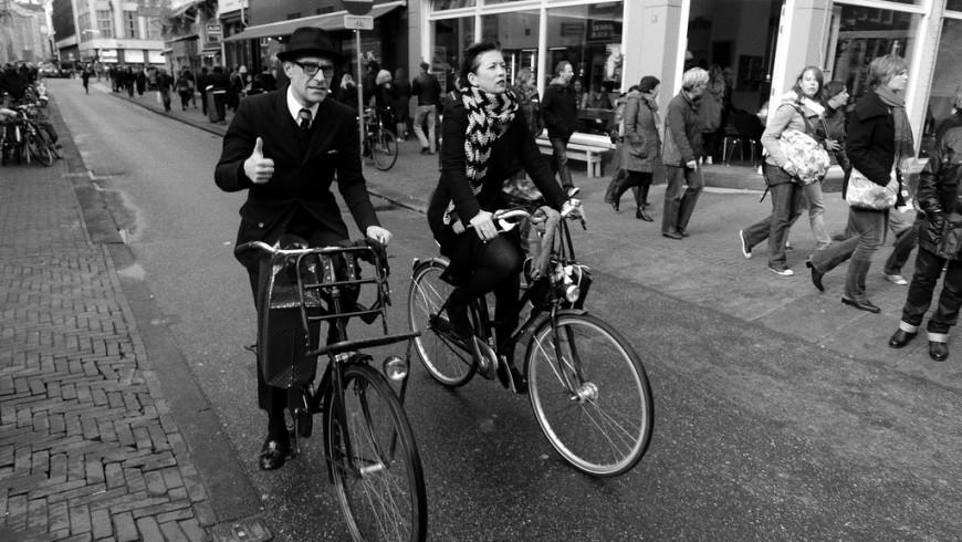 Andare in bicicletta, rispettare la città