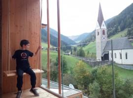 vista della montagna dal terrazzo dell'hotel rainer