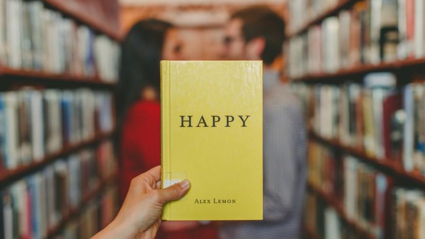 Ostello libreria, libri, Felicità