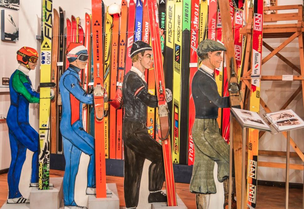 Museo dello sci a Werfenweng, come è cambiato l'abbigliamento e l'attrezzatura negli anni