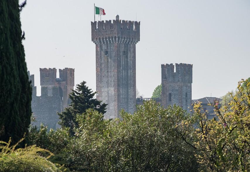 Il Castello Scaligero di Valeggio sul Mincio, Visto da Parco Sigurtà
