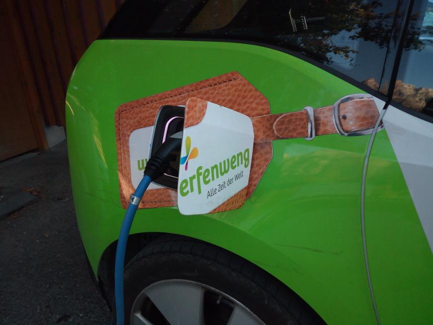 Auto elettrica a Werfenwng