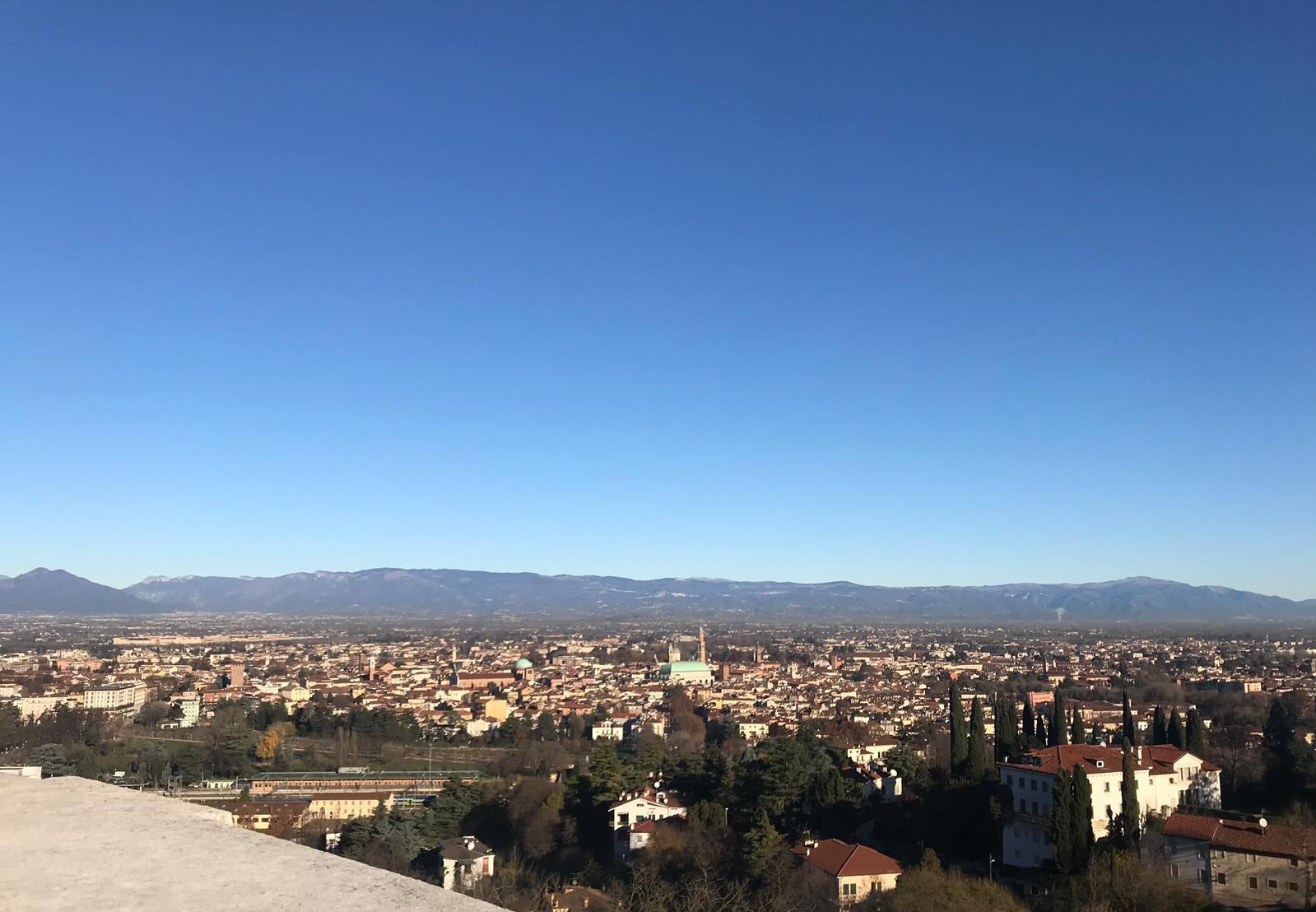 Vista sulla città da Piazzale Vittora, Monte Berico