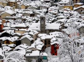 Limone Piemonte coperta dalla neve