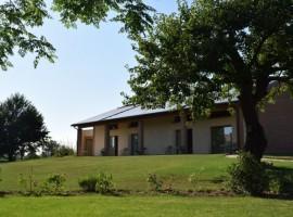 Casa Fiorindo immersa nel verde della campagna
