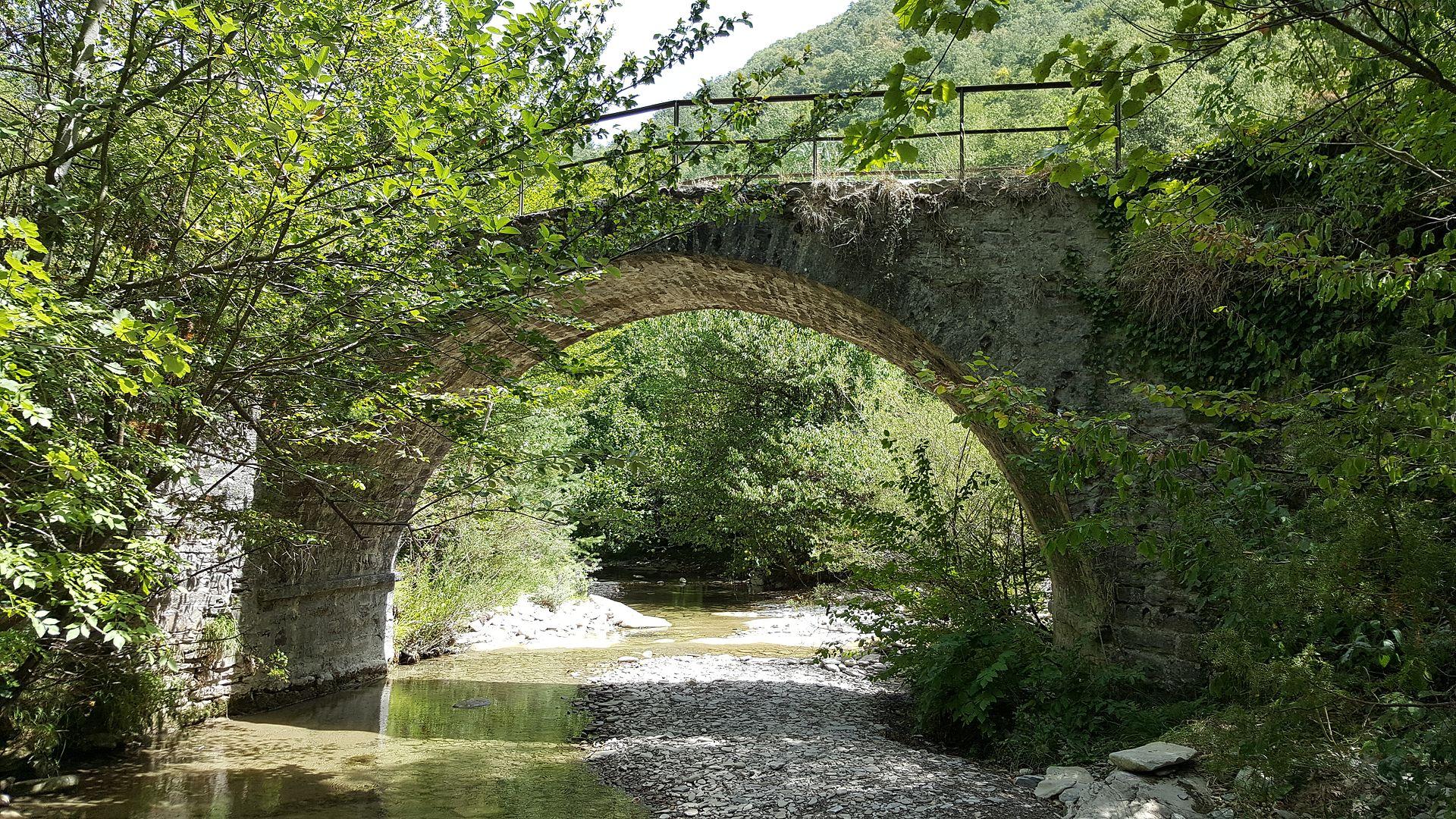 ponte sul fiume Savio da Gualchiere a Nasseto