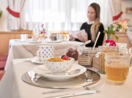 Les Gomines, prima colazione a base di prodotti biologici e locali