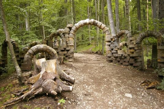 """Le opere naturali visibili presso """"Arte Sella"""", nel bosco vicino Borgo Valsugana"""
