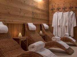 sauna con poltrone in vimini