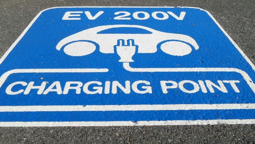 Verifica i permessi edilizi richiesti per strutture di ricarica per veicoli elettrici