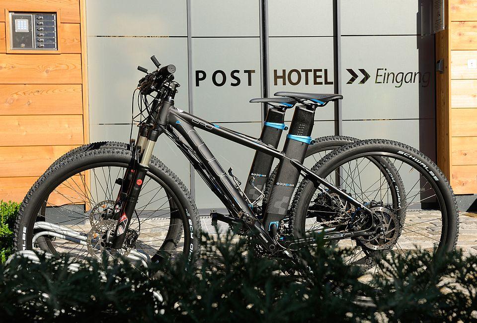 e-bike nell'hotel DasPosthotel in Tyrol