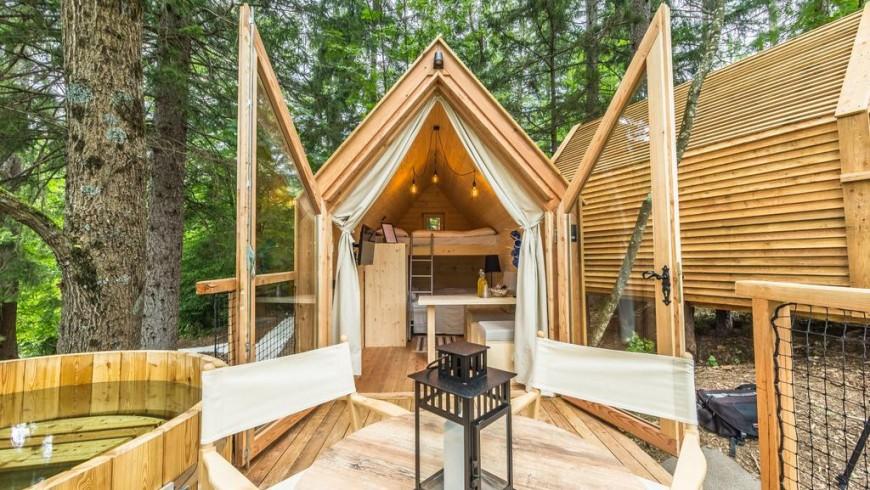 Dormire sotto le stelle e tra gli alberi nel primo e unico hotel zero waste della Slovenia