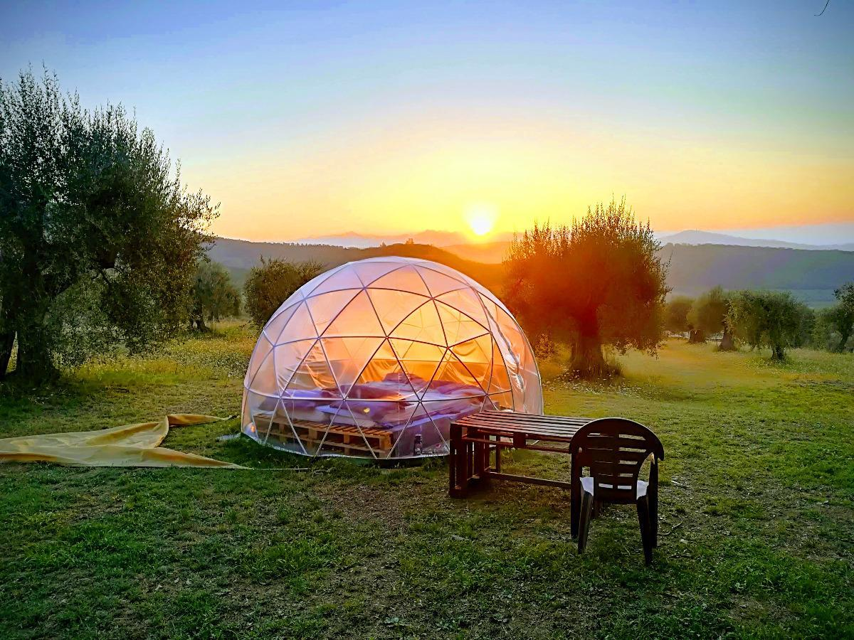 dormire sotto le stelle al casale mille fiori, Perugia, Umbria