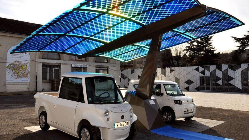 stazione ricarica veicoli elettrici