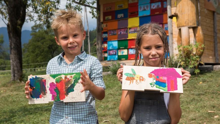 arnie dipinte con disegni colorati