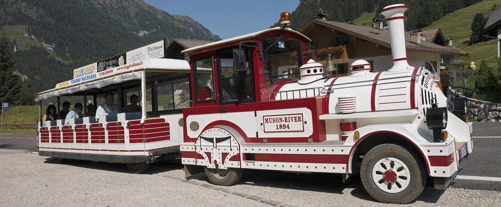 Trenino Shuttle Bus in Val di Fassa