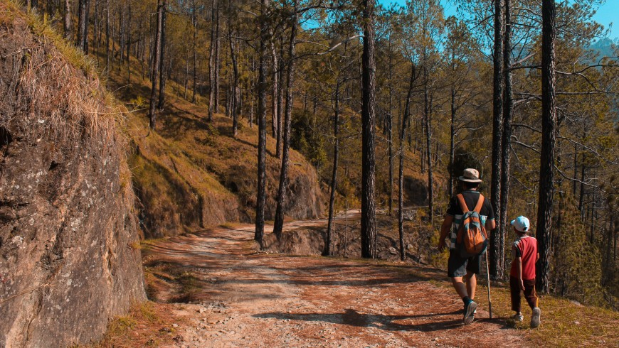 camminata in montagna con bambini