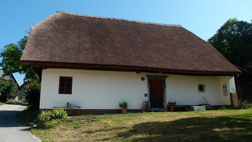 dormhouse house slovenia