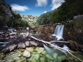 Sorgente del fiume umin cascate