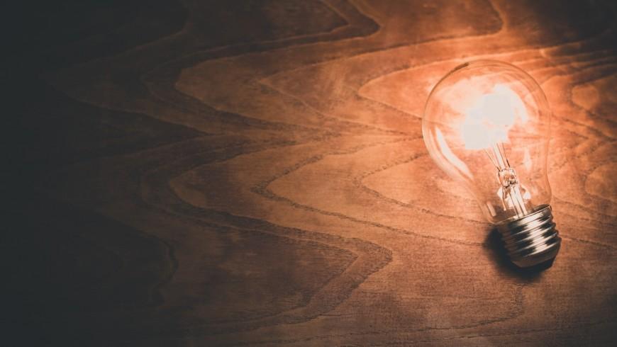 le lampadine a LED o a basso consumo contribuiscono a ridurre le fonti di calore