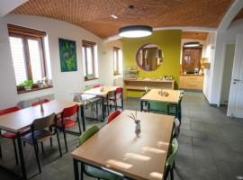 Bearlog hostel sala da pranzo