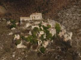 Lo Scoppio, borgo fantasma in Umbria