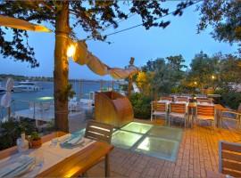 Restaurant Fešta Murter la sera