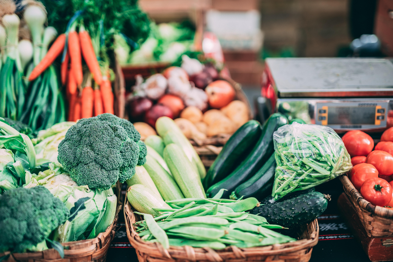 Fare la spesa al mercato dei contadini della tua città è una buona idea per acquisti consapevoli