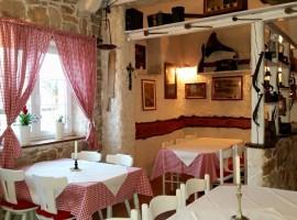 Tavern Bepo Tribunj interno