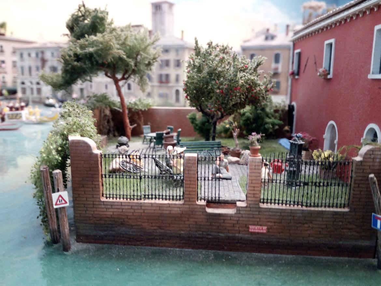 Venezia, giardino fiorito riprodotto a Miniatur Wunderland
