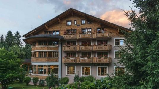 facciata dell'hotel vista dall'esterno