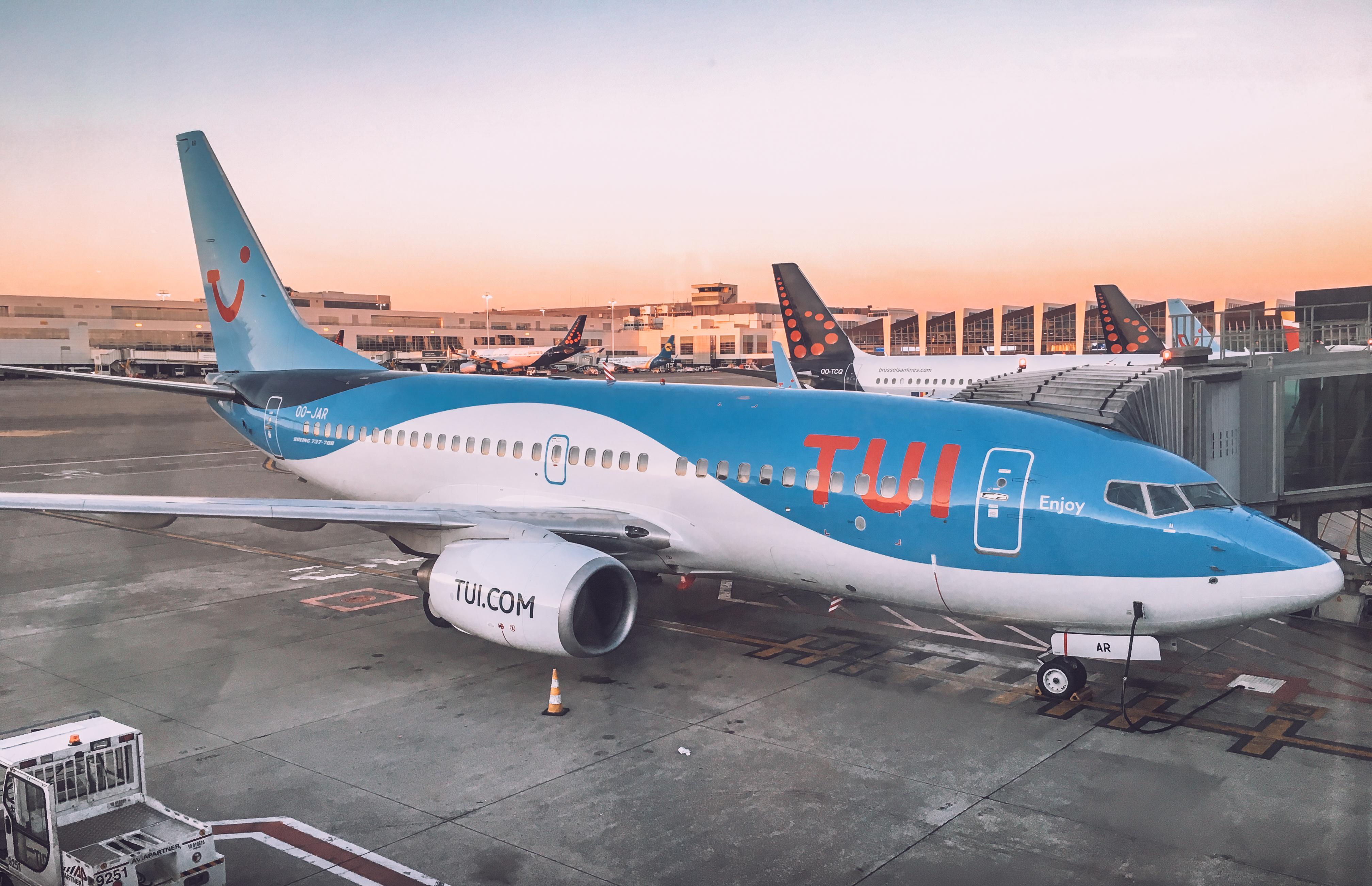 Aereo del gruppo TUI, uno dei colossi dell'economia globale de turismo