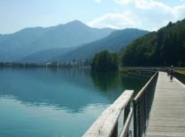 in bici nel lago di caldonazzo