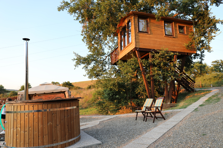 casa sulla quercia e hot tub